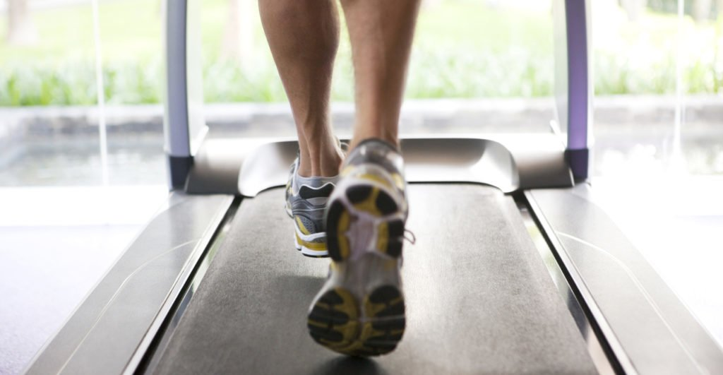 Jogging, focus on treadmill, Canon 1Ds mark III