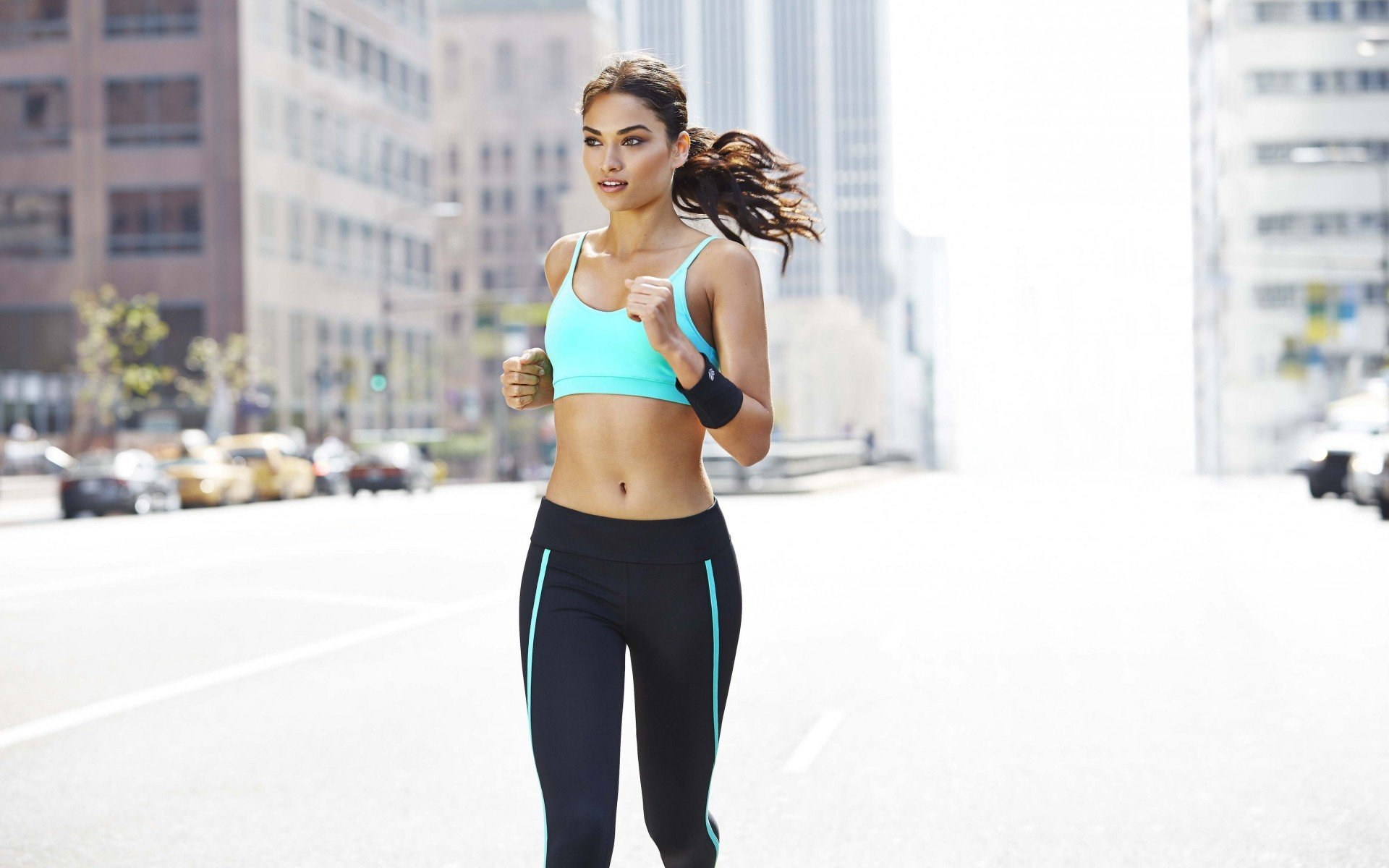 running-girl-in-street-city-hd-wallpapers