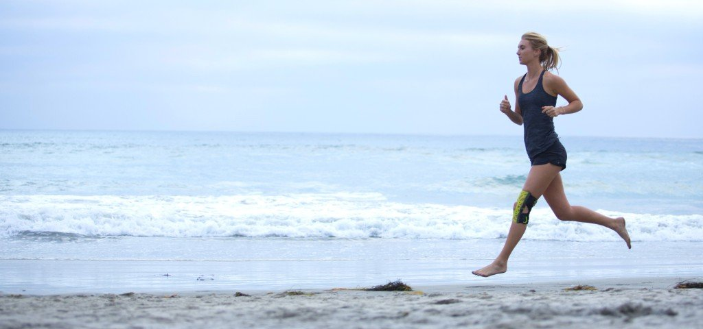 running-webtech-knee-beach2-1024x480